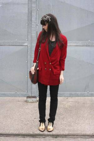 Blazer-Long-Red-Oxfords-Gold-Betty