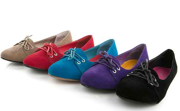 Latest flat shoes for ladies 2013