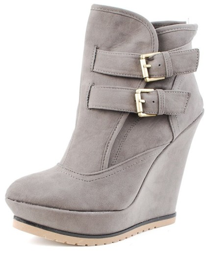 pointed-toe-side-buckle-booties